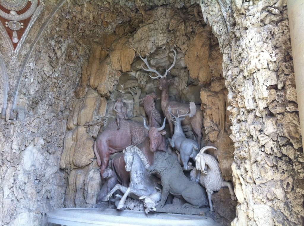 動物の洞窟 メディチ家 カステッロ荘