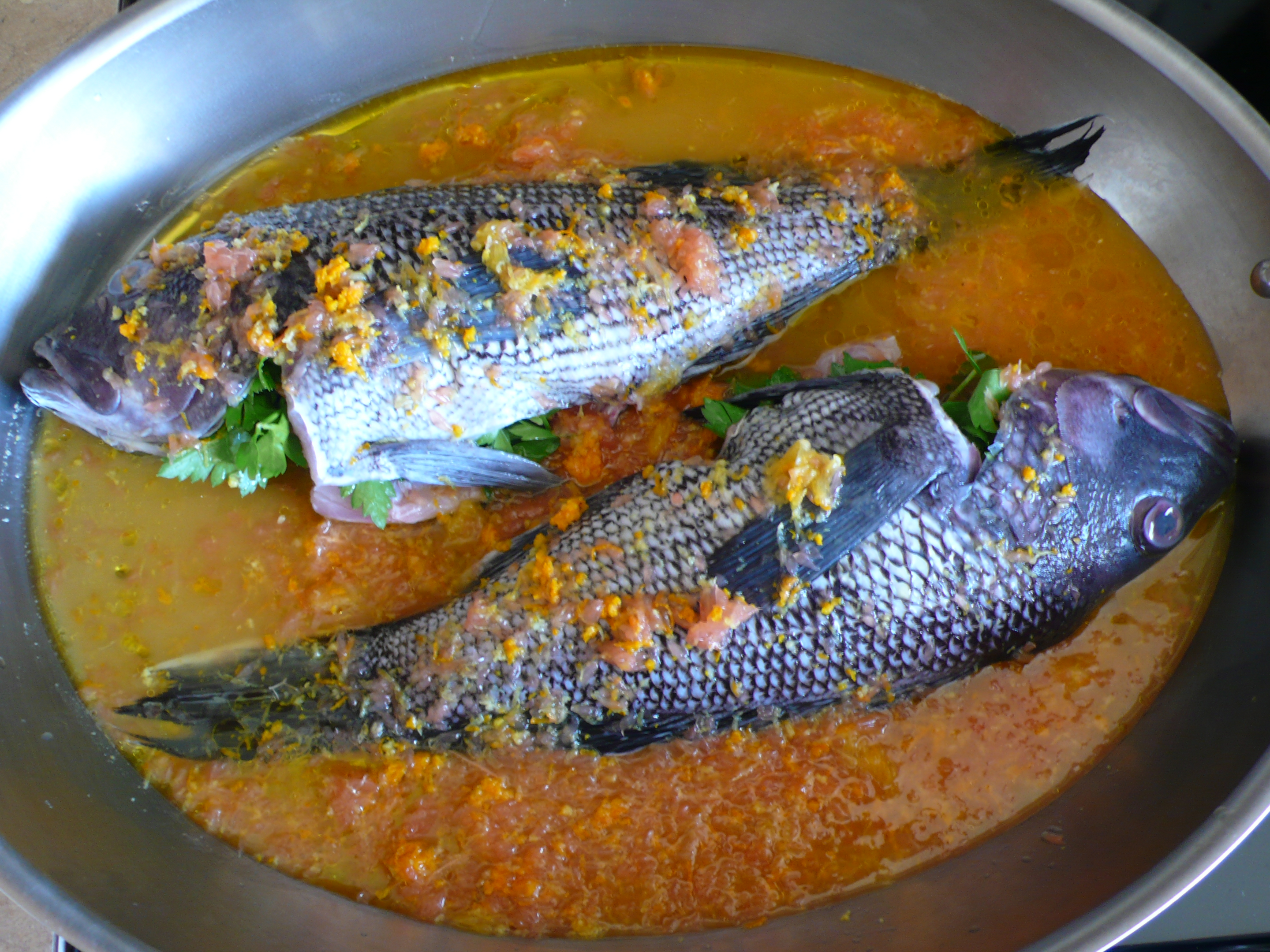 black bass in salsa di agrumi