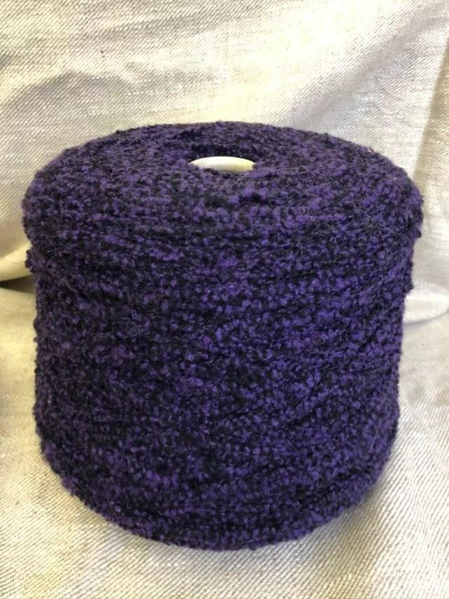 violetinė bukle vilna