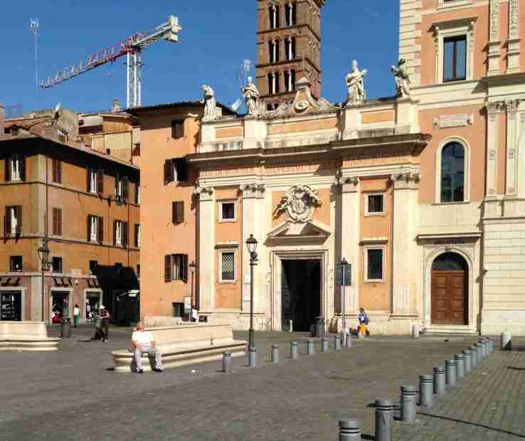 Rome's Piazza San Silvestro on a hot summer day