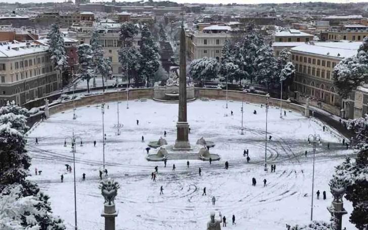 Piazza del Popolo Snow
