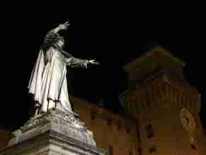 Statue of Savonarola in Ferrara