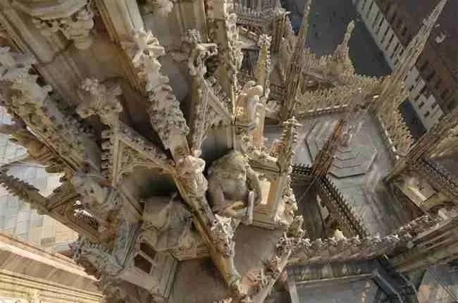 Adopt a Spire on the Milano Duomo