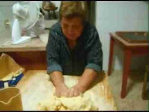 Learn How to Make Pasta From Scratch: Italian Nonnas Show You How [Video]
