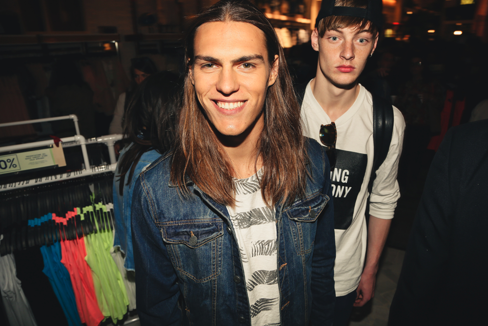 PULL&BEAR_OpeningParty_.TravisSmith