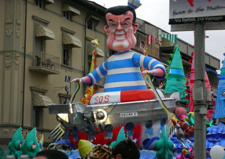 Il SI' di Prodi: demolisce Renzi e la riforma ma invita a turarsi il naso.