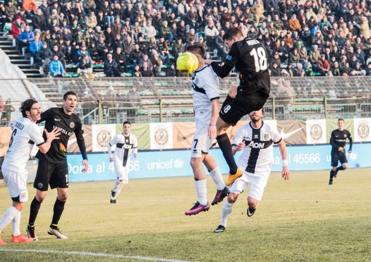 Venezia con il cuore rimonta 2 gol e pareggia con il Parma