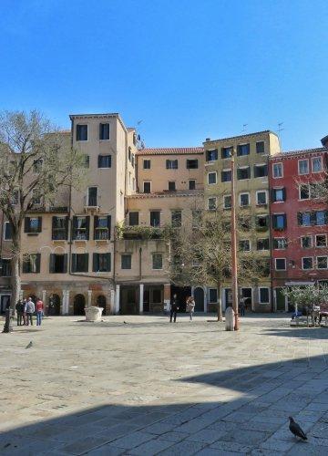 Il Ghetto Ebraico di Venezia è una discarica.