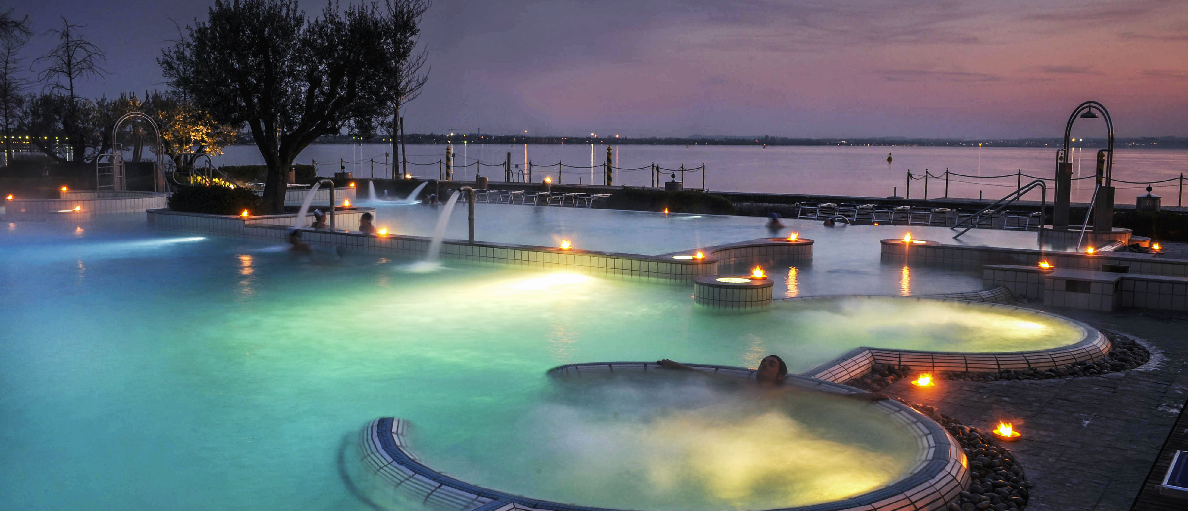 Thermal baths and entertainment in your golfing holiday