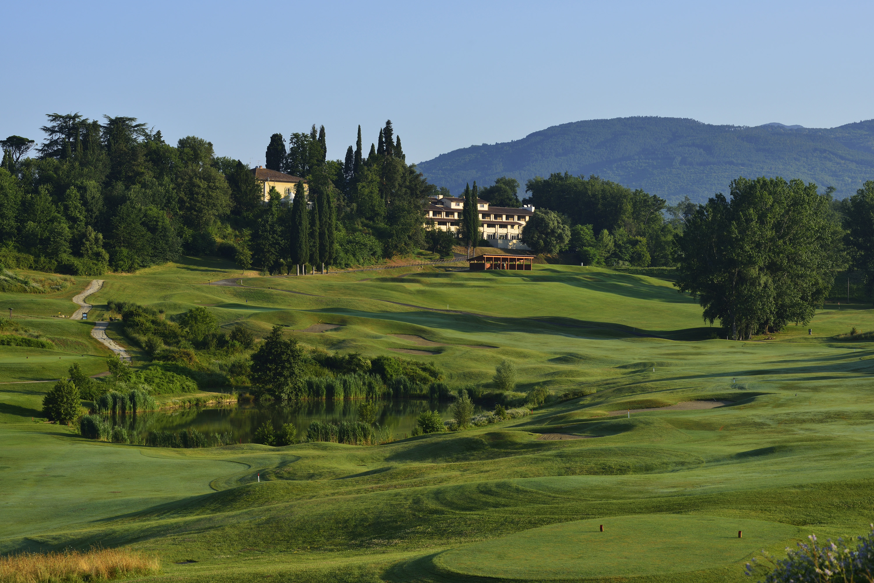 Poggio-Medici-Toscana-Firenze-Resort-Experiences-Italy4golf