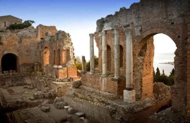Taormina-Cosa-vedere-in-Sicilia