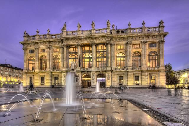 palazzo_madama_Torino.jpg