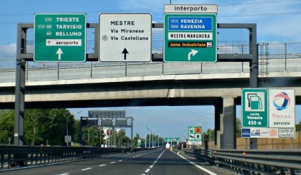 Driving in Italy: Italian Road Signs :: Italy Explained