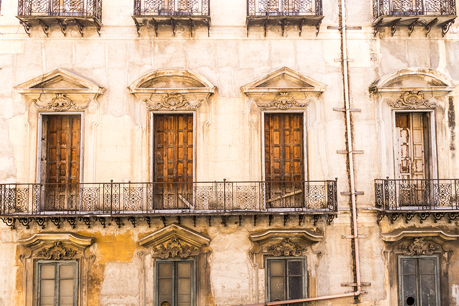 old walls-from 4 canti-palermo-iatly on my mind