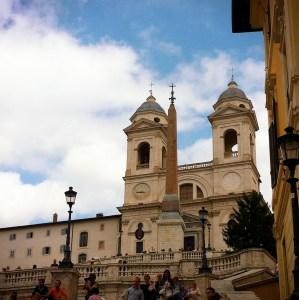 scalinata in travertino trinità dei monti piazza di spagna a roma