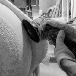 lavorazione e produzione di lavabi in pietra