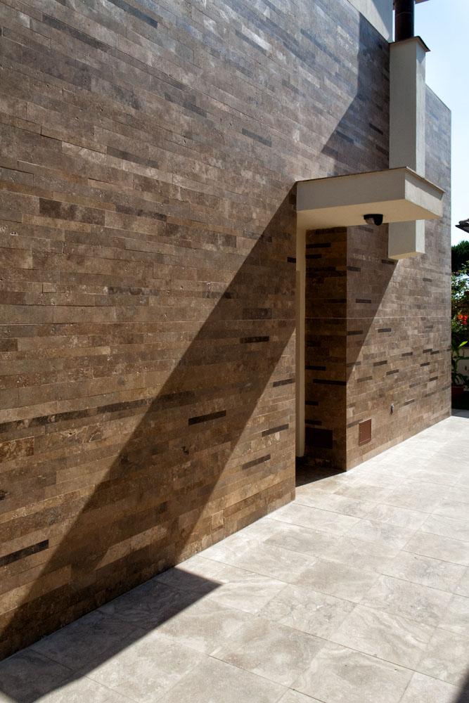 Rivestimento facciata in pietra esempi di architetture for Case con facciate in pietra