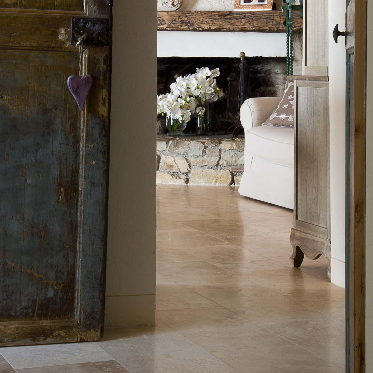 Casa colonica nella campagna toscana a Impruneta, pavimenti in ...