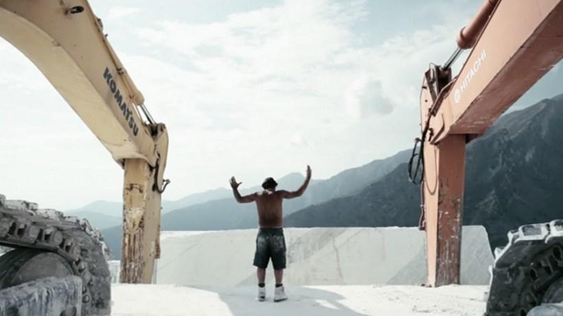 yuri ancarani video gesti lavoro nelle cave di marmo