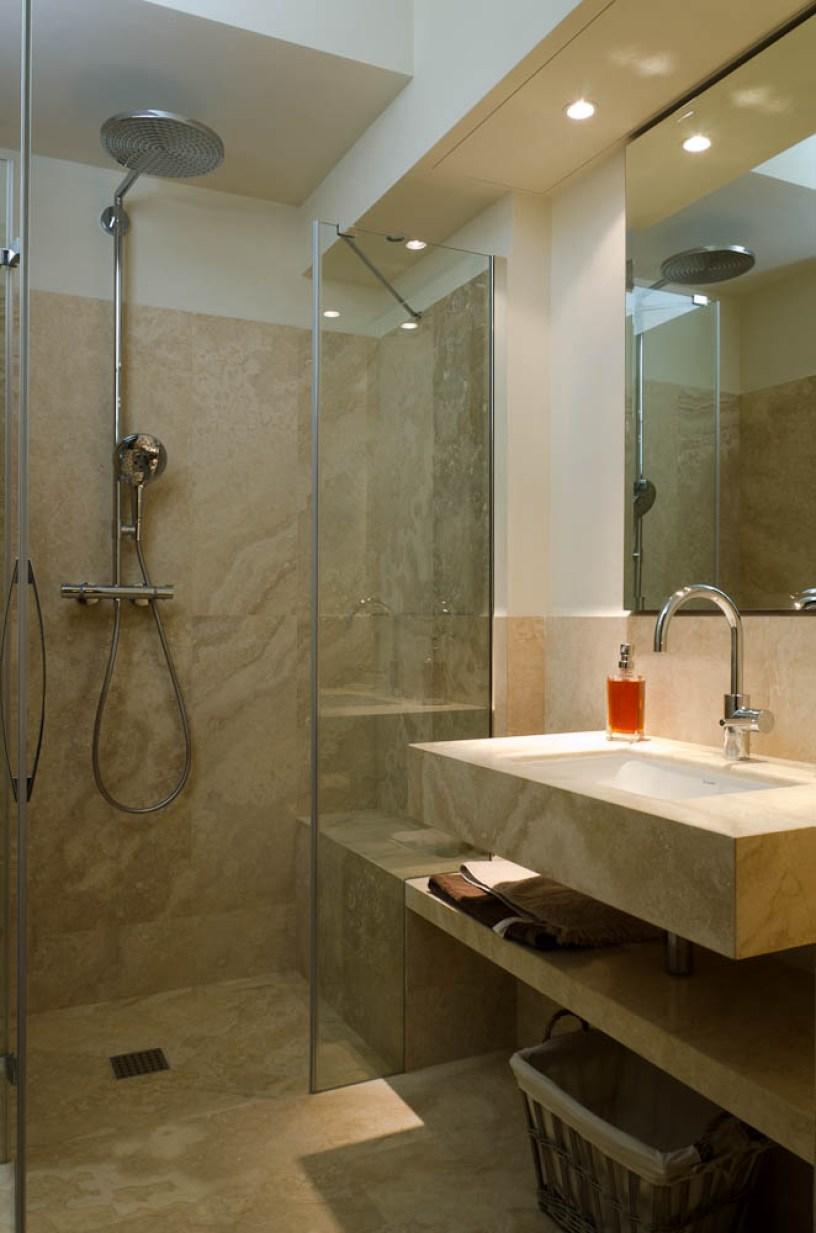 Consigli per i tuoi rivestimenti materiali naturali o gres porcellanato - Bagno travertino ...