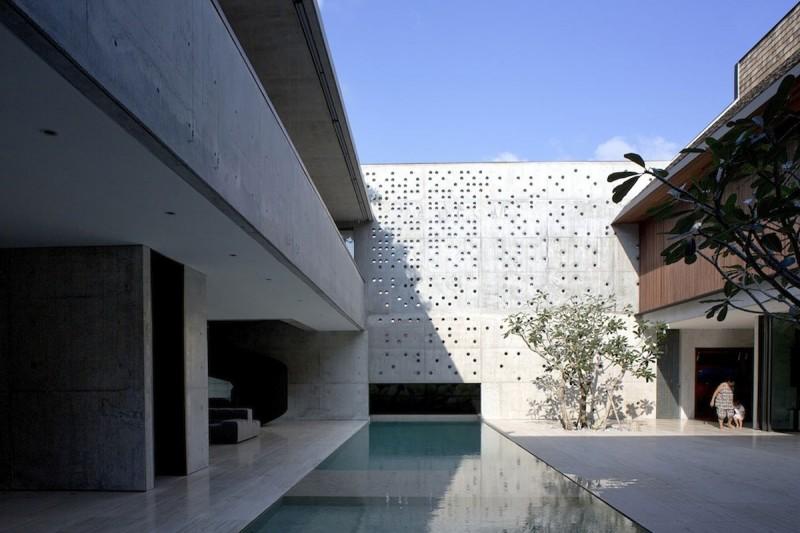 courtyard-house-formwerkz-singapore-cortile-casa-travertino