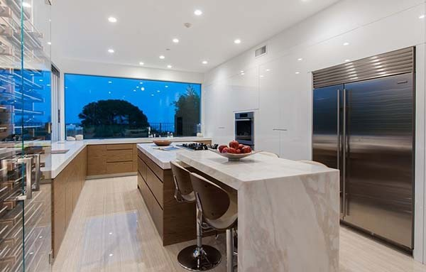 Pacific-Palisades-calacatta-marble-kitchen-marmo-cucina