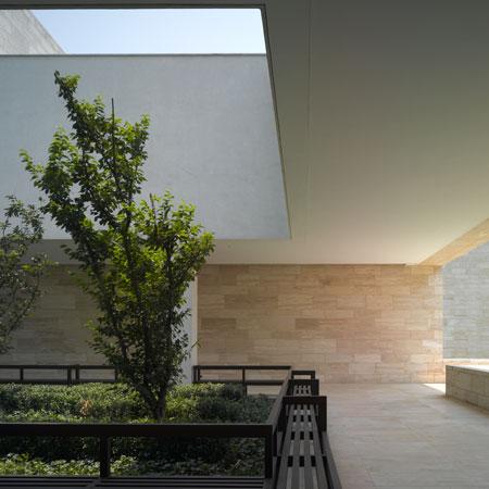 liangzhu-culture-museum area verde cortile architettura david chipperfield travertino