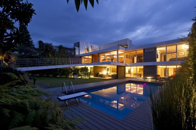 Casa-Oceano-città-del-messico-ristrutturazione-piscina-interni-pietra-marmo