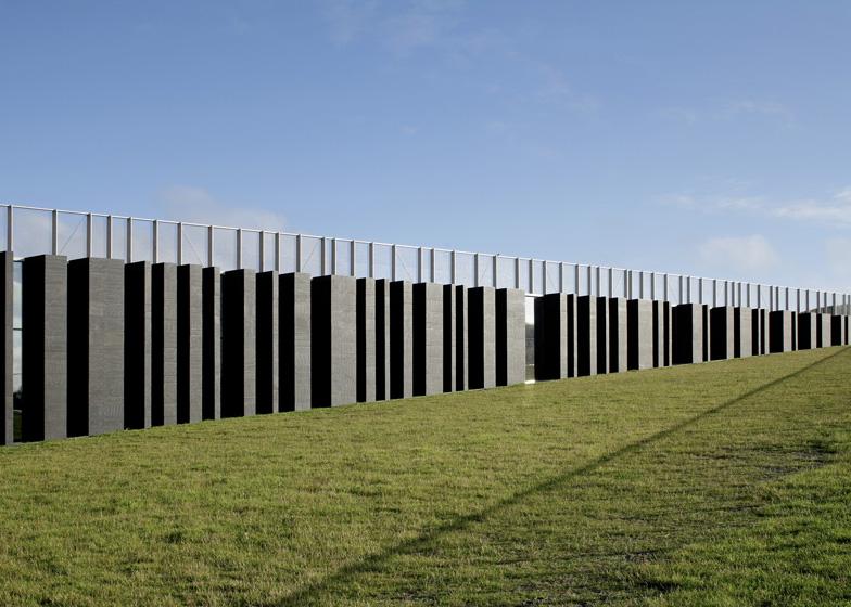 Giants-Causeway-Visitors-Centre-selciato-gigante-basalto-irlanda-Heneghan-Peng-Architects