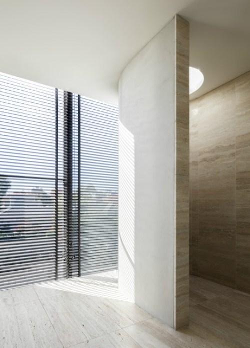 lsd_residence_bagno_cemento_travertino_rivestimenti_doccia