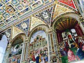Duomo di Siena, Libreria Piccolomini lato destro