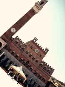 """Piazza del Campo pronta per la tre giorni """"Toscana Terra del Buon Vivere"""""""