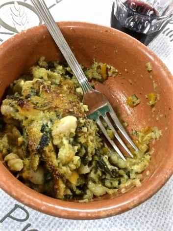 Un piatto di ribollita realizzata secondo tradizione