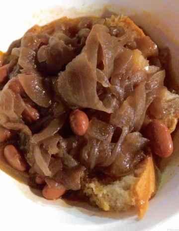 Zuppa di cipolle e borlotti