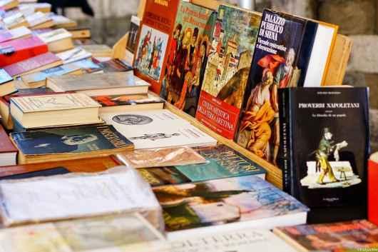 Il banco di libri d'arte, storia, architettura di Alessandro Beoni: uno dei nostri preferiti alla Fiera Antiquaria!