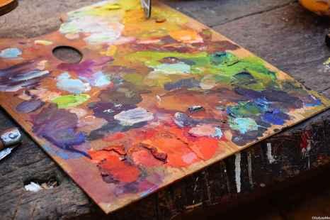 Opere di pittura ma anche laboratori di mosaico, restauro, tessitura alla Fiera Antiquaria Arezzo. Tutto concentrato in via Bicchieraia e dintorni!