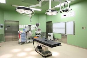 人工股関節置換術の手術と注意点とは?! 脱臼管理やリハビリもご紹介!