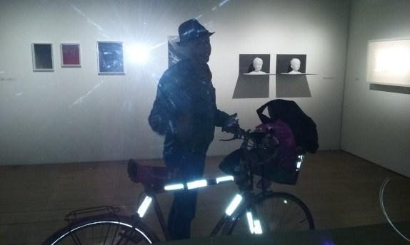 Paella et son vélo dans la galerie ? ©VGS
