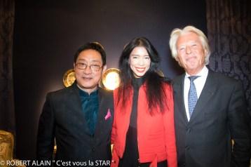 Maitre jiang Shanqing Vanessa Modely et Maître Georges Delettrez Président de Drouot Patrimoine