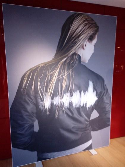 Izïa Higelin aux Galeries Lafayette