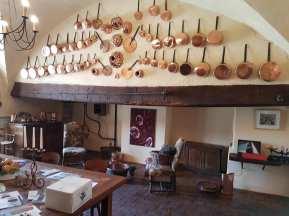 La cuisine où les habitants prennent leur repas.