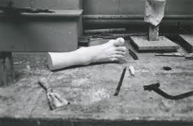 Hervé Guibert Musée Grévin, 1977-1978 Tirage gélatino-argentique Dimensions du tirage : 23,7 x 30,5 cm Signé par l'artiste et tampon à sec Hervé Guibert © Christine Guibert Courtesy Les Douches la Galerie, Paris N° Inv. HG1805003