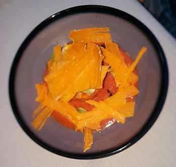 Gaspacho de légumes, sorbet de cornichons, râpée de mimolette