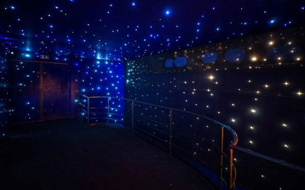Salle étoilée du Rex studios © Thomas Laconis