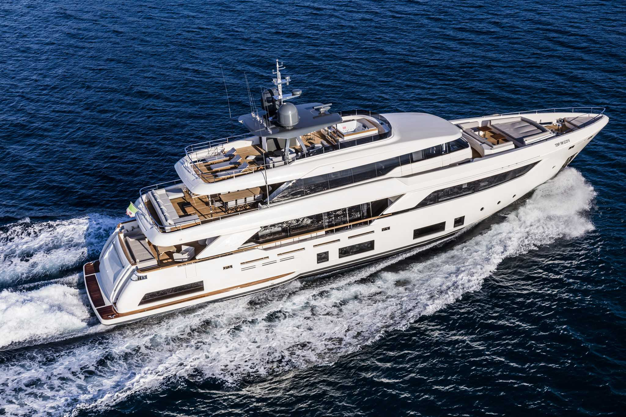 Ferretti Custom Line NAVETTA 37 Ita Yachts Canada Ita