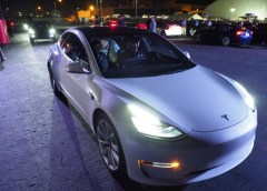 Tesla Entry App Malfunction Locks Out Car Owners