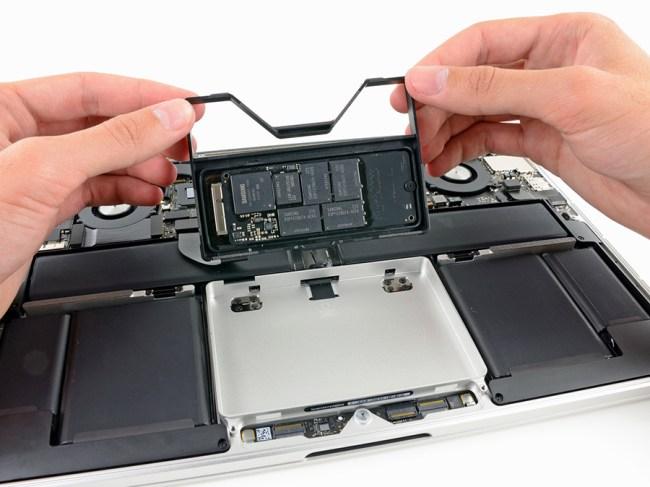 """iFixit: Retina MacBook Pro 13"""" не намного лучше в ремонте, чем 15-дюймовый аналог"""