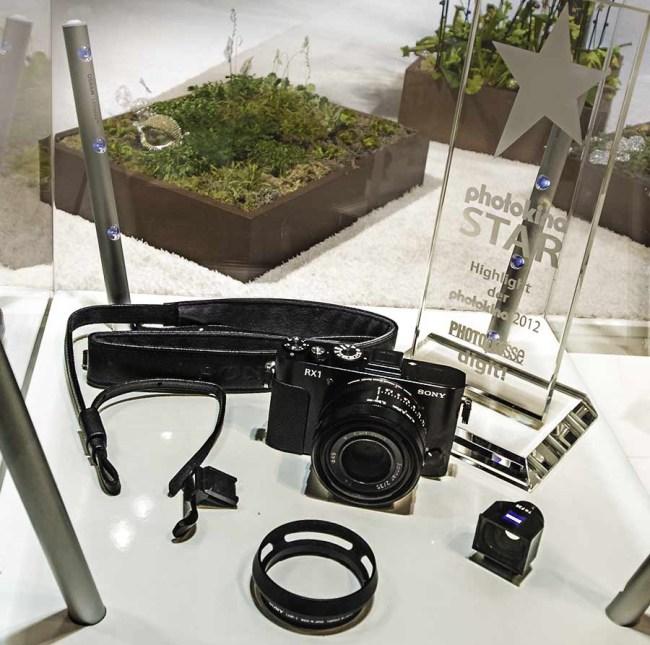 Sony официально представила в Украине новые фотокамеры