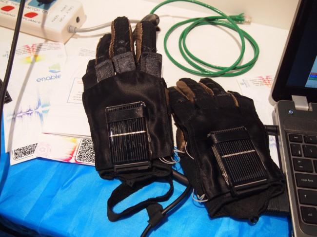 Time включил перчатки украинской команды quadSquad в список изобретений года