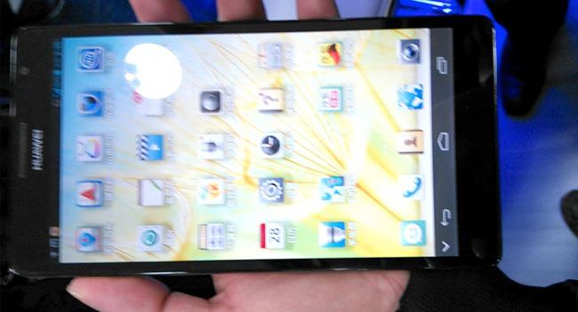 Huawei показала Full HD смартфон Ascend Mate с 6,1-дюймовым дисплеем